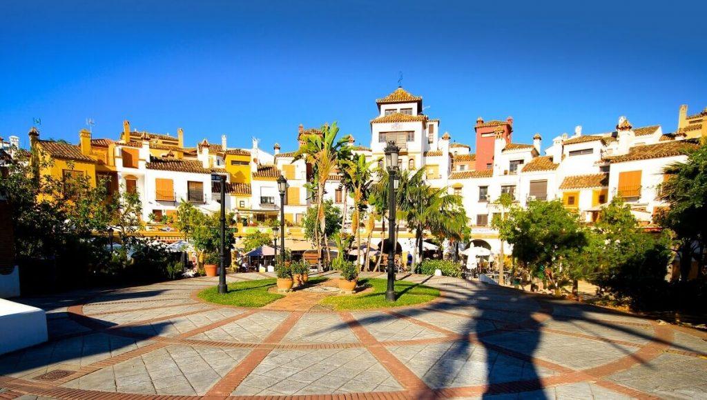Plaza en La Alcaidesa