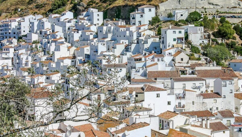 Casares provides a spectacular views of a typical Spanish white village