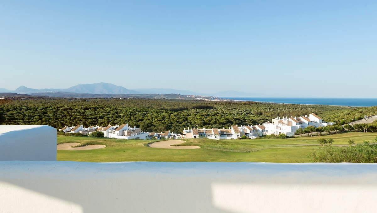 THE PROPERTY AGENT - GOLF AND BEACH (6)