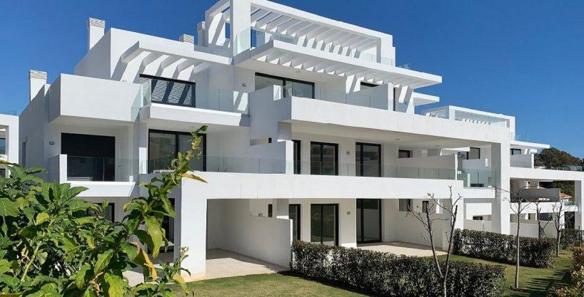 Precioso apartamento con jardín a la venta en Cortijo del Golf Estepona
