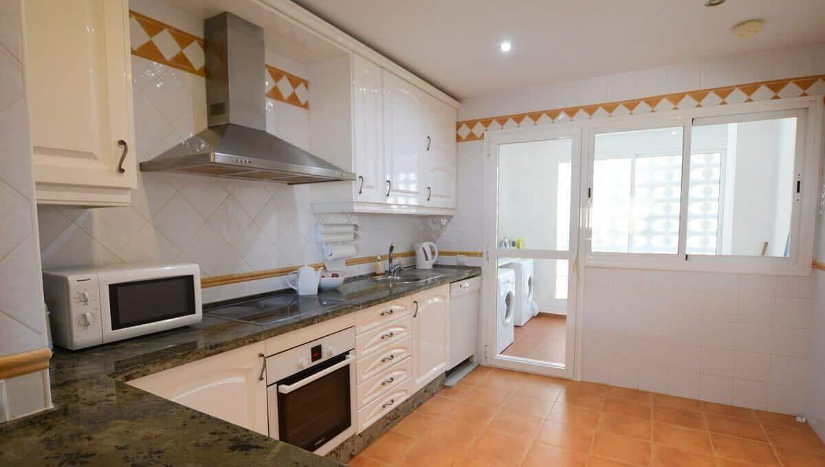 6 La Viz B13 H4 Kitchen