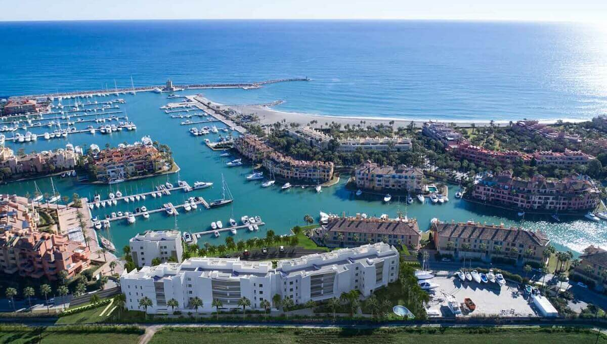 A1_PIER1_apartments_Sotogrande_aerial
