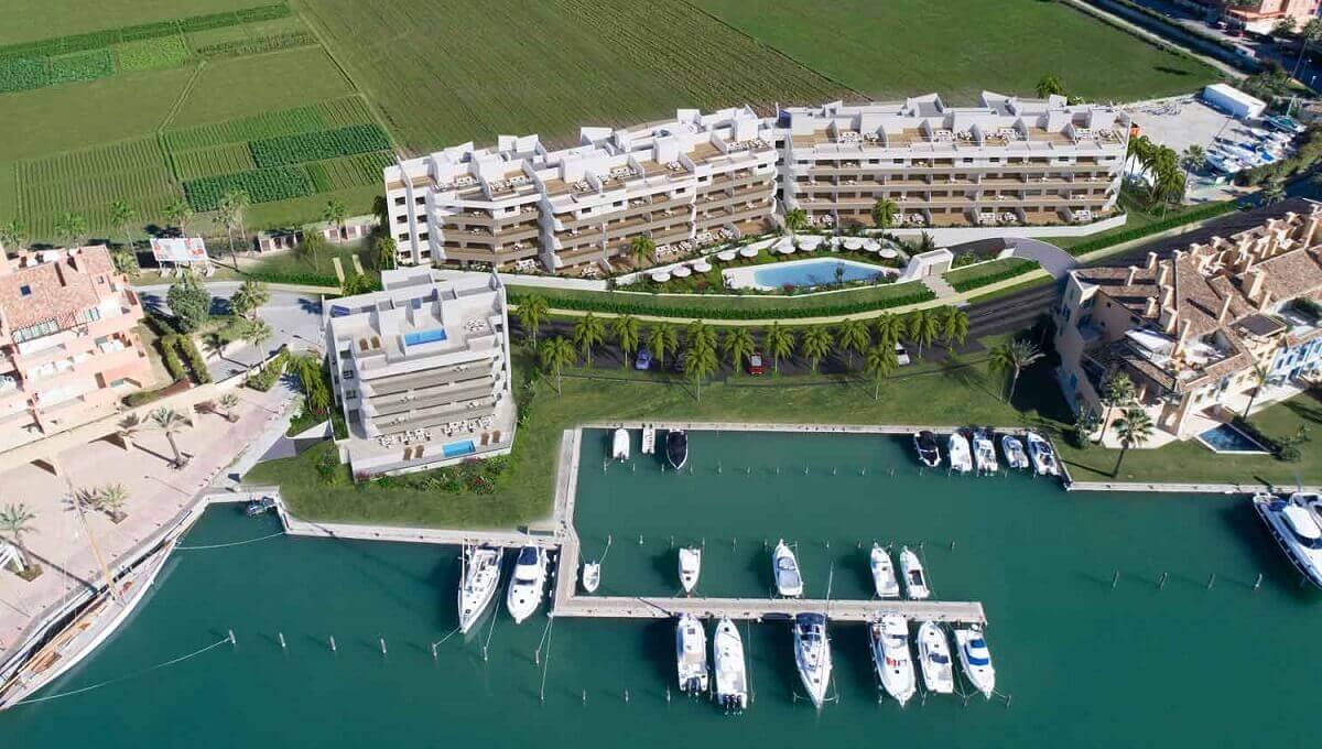 A4_PIER1_apartments_Sotogrande_aerial