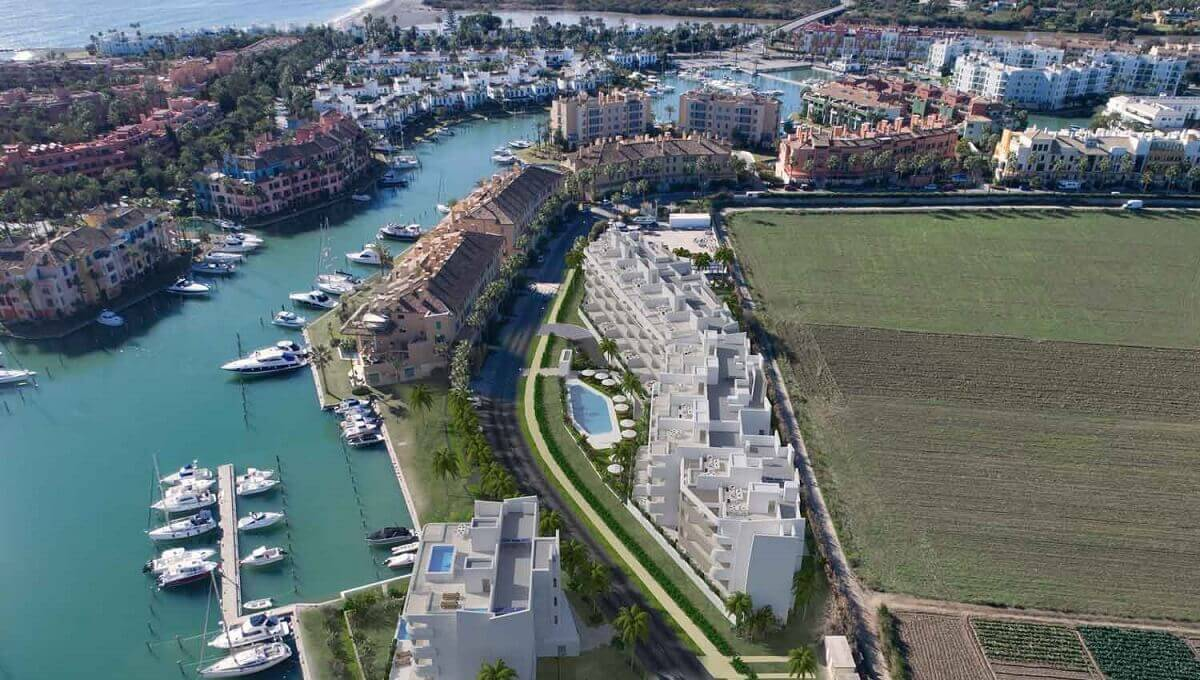 A6_PIER1_apartments_Sotogrande_aerial