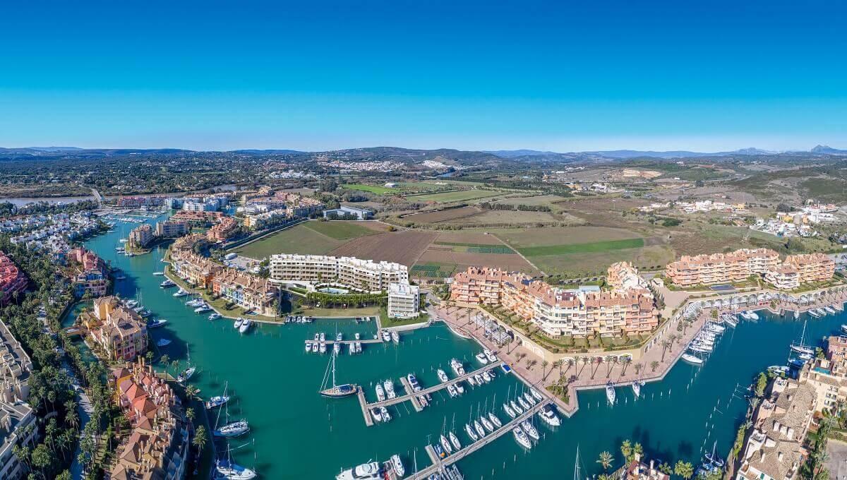 C1_Pier_apartments_Sotogrande_panoramic